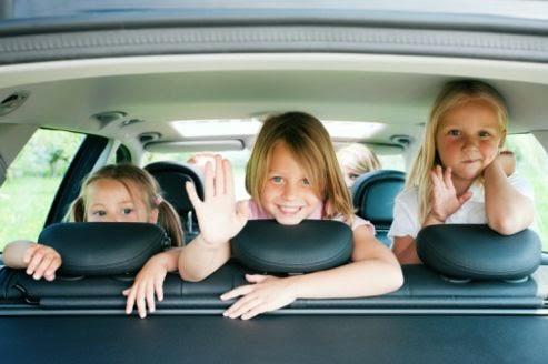les indispensables pour les voyages d'auto en famille - Cinq Fourchettes