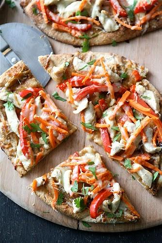 7 idées de pizza sur pain naan! Vous allez adorer! - Cinq Fourchettes