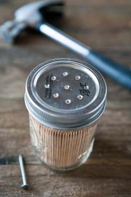 DIY pot à cure-dents10 façons inusitées d'utiliser ses pots Mason! Cinq Fourchettes