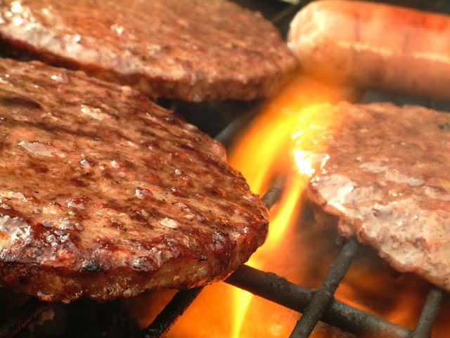 Cuisson au BBQ : Trucs et astuces pour réussir vos grillades! - Cinq Fourchettes