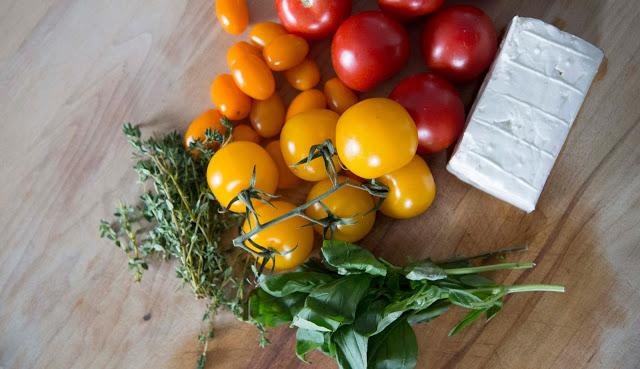 Entrée : Bouchées de tomates confites au feta - Cinq Fourchettes