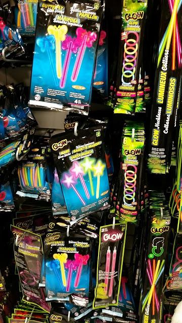 Light sticks à acheter au Dollarama
