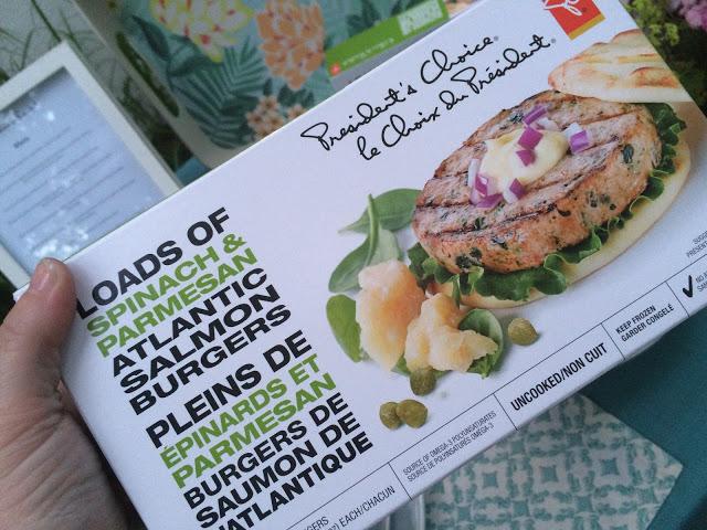 Burgers de saumon de l'Atlantique Pleins de épinards et parmesan PC