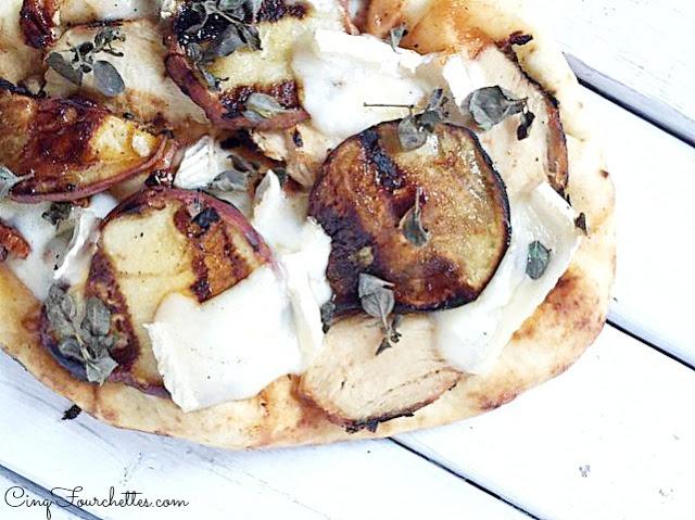 Pizza maison aux poires et brie Cinq Fourchettes
