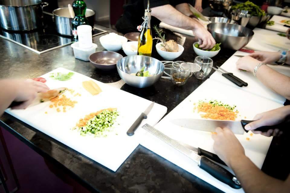 9 suggestions le fun pour des cours de cuisine pour - Cours de cuisine enfant ...