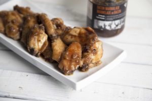 Ailes de poulet sucrées et piquantes à la marmelade et au bacon /Cinq Fourchettes