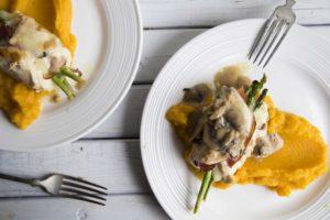 Roulades de poulet, asperges et fromage de Lyne / Cinq Fourchettes