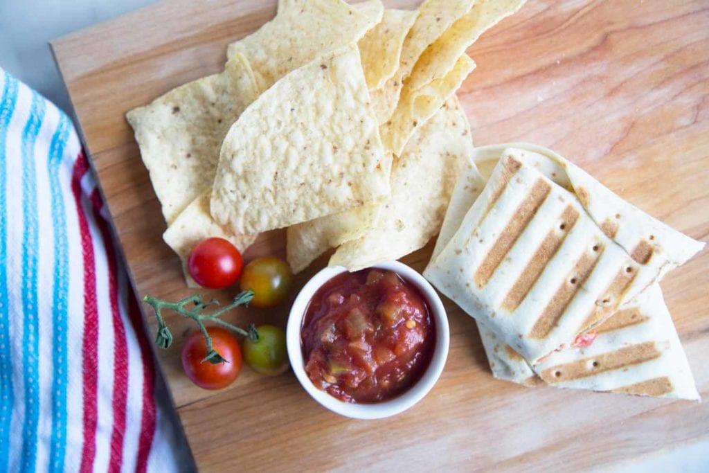 Burritos aupoulet et haricots : Parfait pour les lunchs ! Cinq Fourchettes