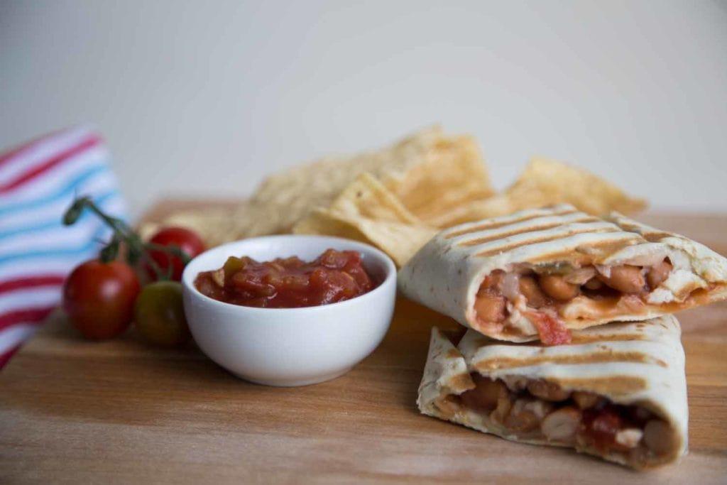 Burritos au poulet et haricots : Parfait pour les lunchs ! Cinq Fourchettes