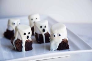 Brownie fantôme parfait pour l'Halloween Cinq Fourchettes