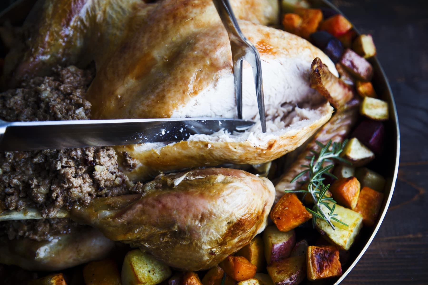 Dindon farce au foie gras et ses légumes grillés Cinq Fourchettes