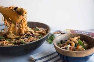 Salade de pâtes au poulet satay Cinq Fourchettes