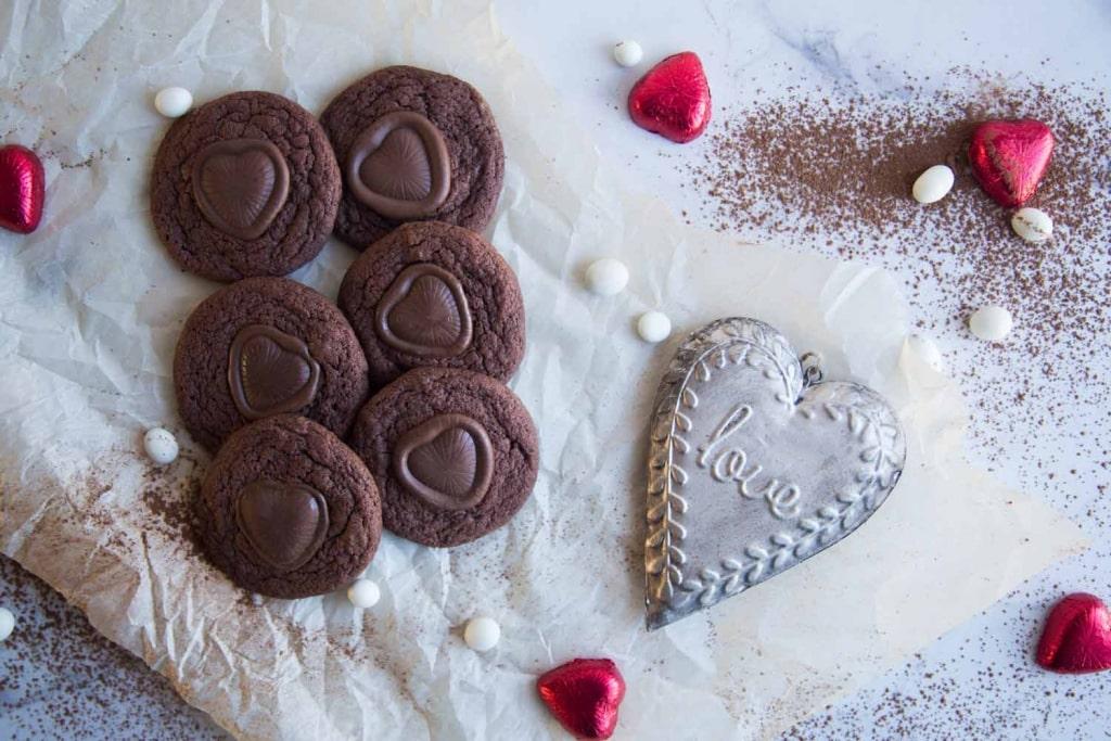 Biscuits coeur de chocolat pour les amoureux de la vie ! Cinq Fourchettes