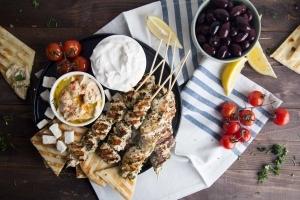 Brochettes de poulet à la grecque Cinq Fourchettes