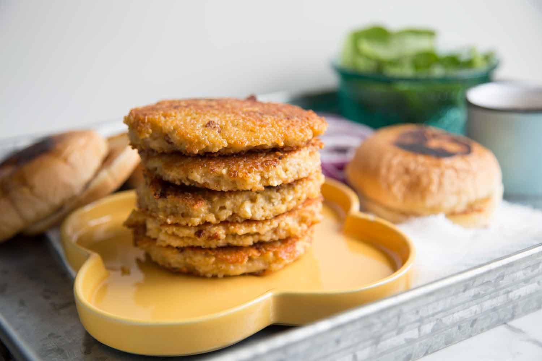 Burger végé avec galette de quinoa Cinq Fourchettes