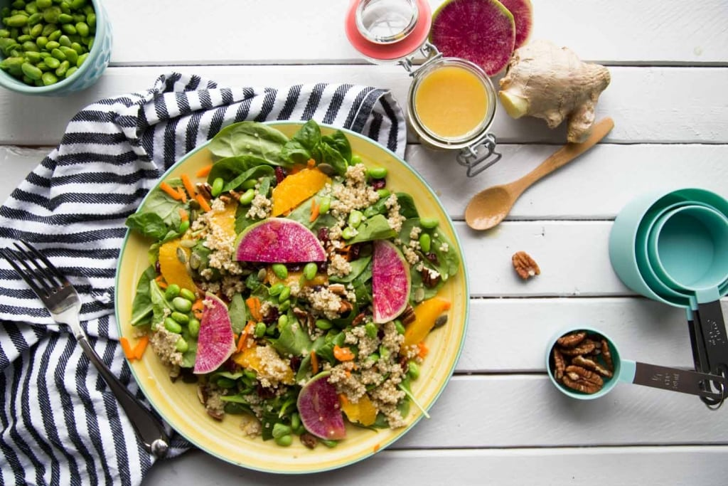 Salade d'épinards, quinoa et vinaigrette à l'orange Cinq Fourchettes